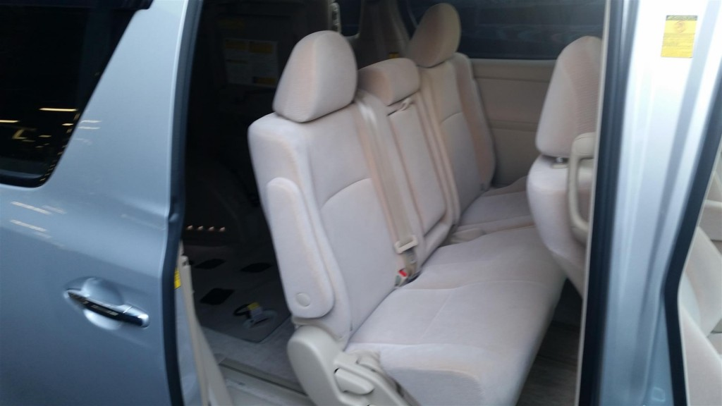 2013 Toyota Vellfire Welcab Sloper 2.4L wheelchair