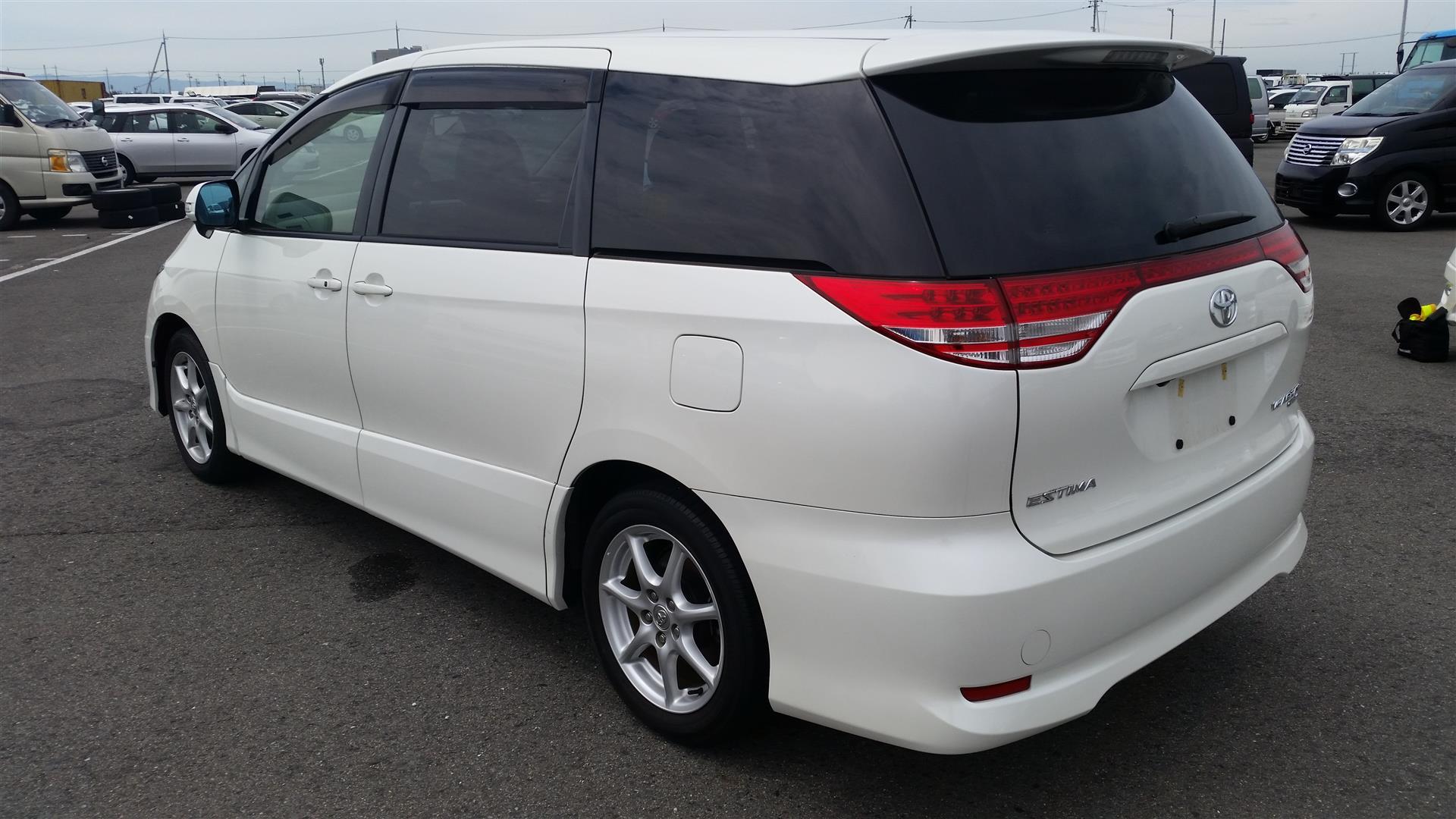 2008 Toyota Estima rear