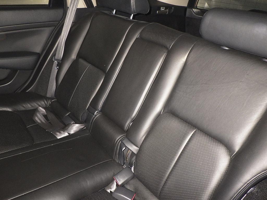 2004 Nissan Stagea AR-X back seat