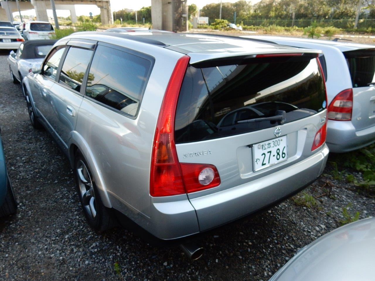 2004 Nissan Stagea AR-X rear