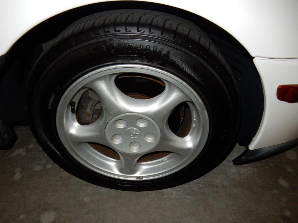1998 Toyota Supra SZ AEROTOP wheel