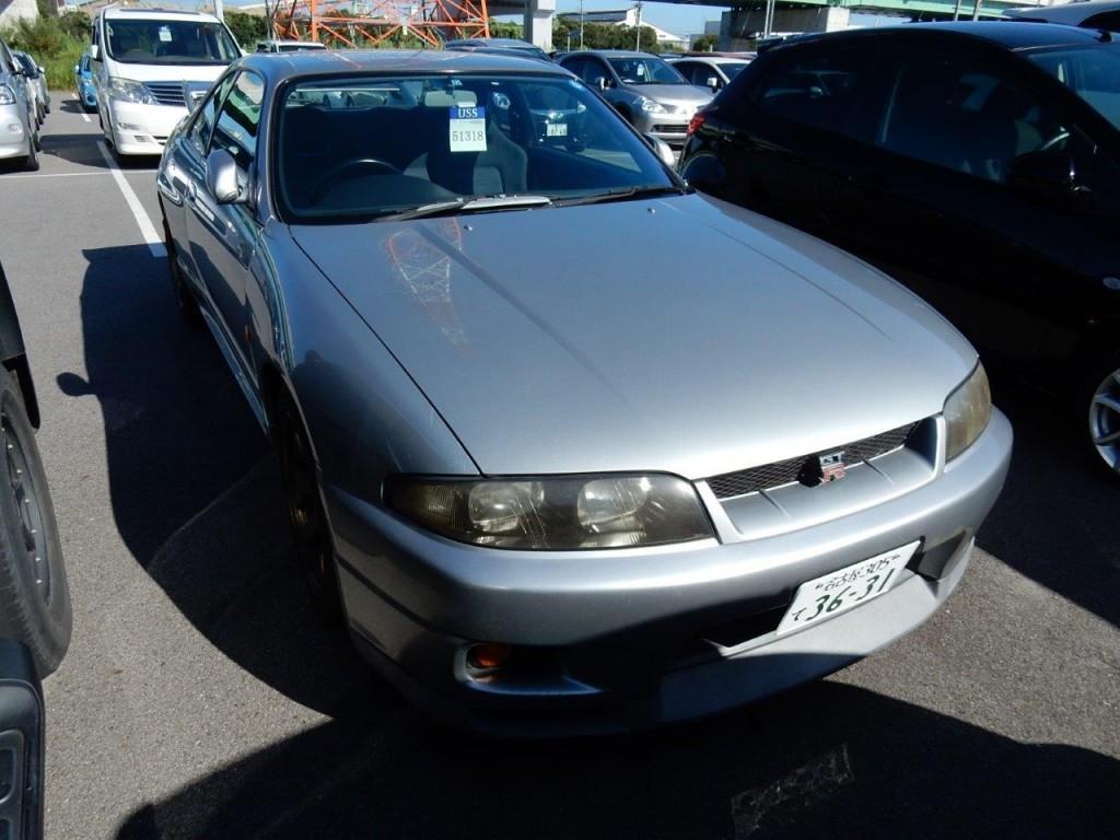 1996 Nissan Skyline R33 GTR front image