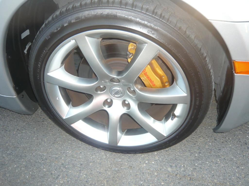 2004 Nissan Skyline V35 350GT Premium coupe 6 speed manual wheel