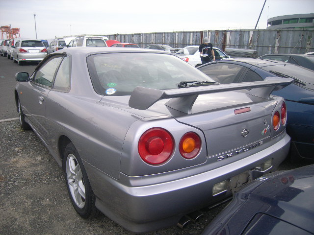 1999 Nissan Skyline R34 GT non turbo coupe rear