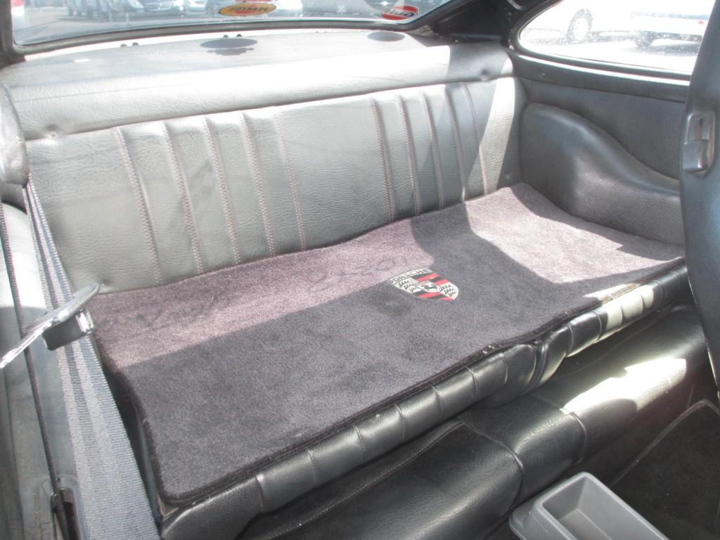 1982 porsche 911sc coupe rear seat