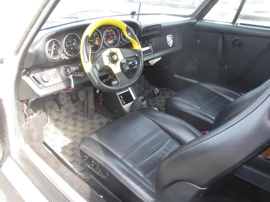 1982 porsche 911sc coupe interior
