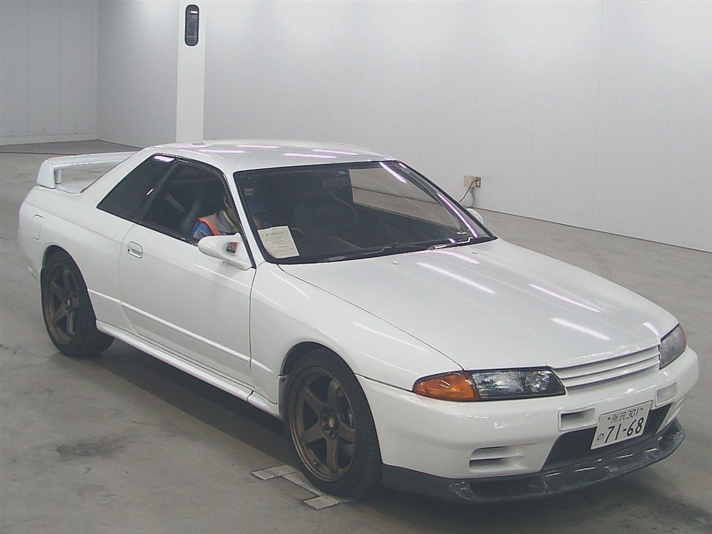 1993 nissan skyline r32 gtr front2