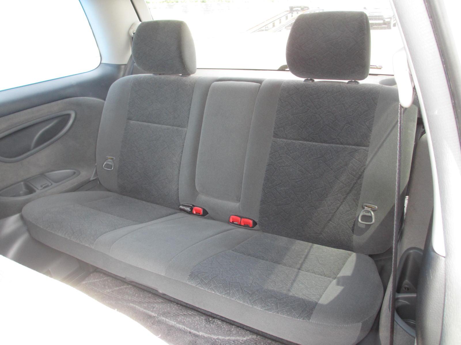 2003 Toyota Estima 3L Aeras S rear seats