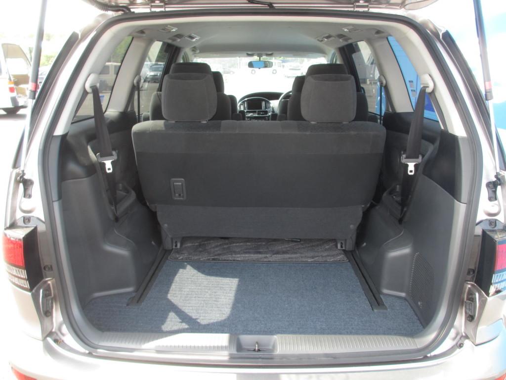 2003 Toyota Estima 3L Aeras S rear