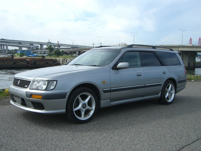 1997 Nissan Stagea RS-4 V 4WD turbo front