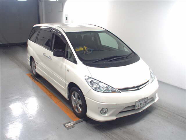 2005 Toyota Estima 3L 2WD 7 seater front