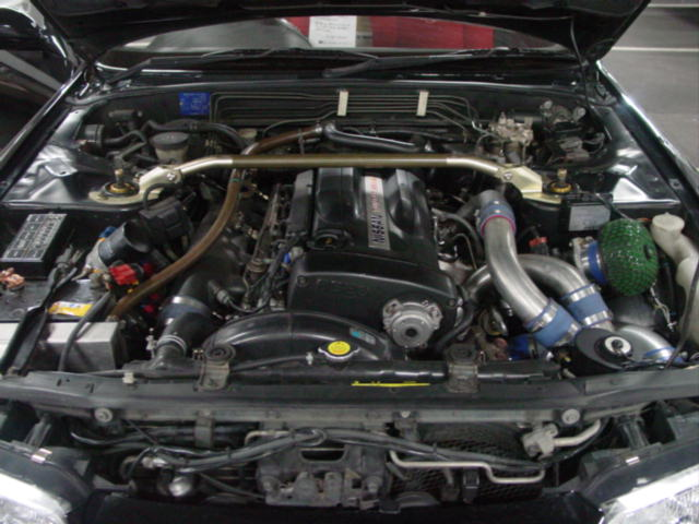 1993 Nissan Skyline R32 GTR VSpec engine