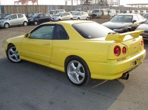 1998 Nissan Skyline R34 GT-T coupe rear