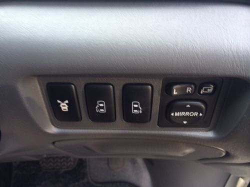 Toyota Estima powerslide doors