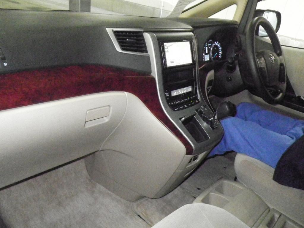 2010 Toyota Vellfire SLOPER WELCAB 17