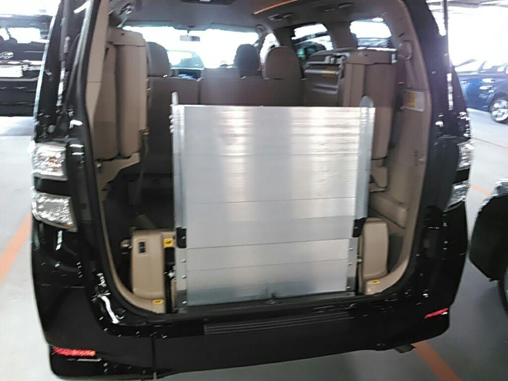 3 2010 Toyota Vellfire SLOPER WELCAB