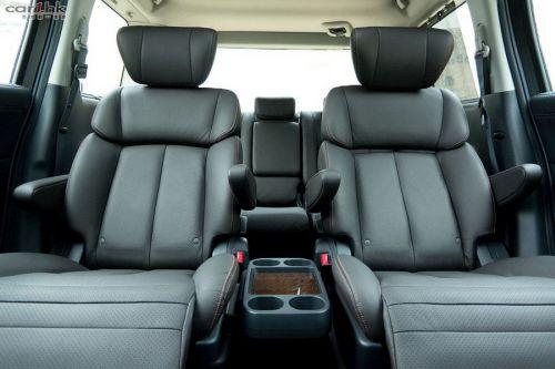 Nissan Elgrand E52 interior grey