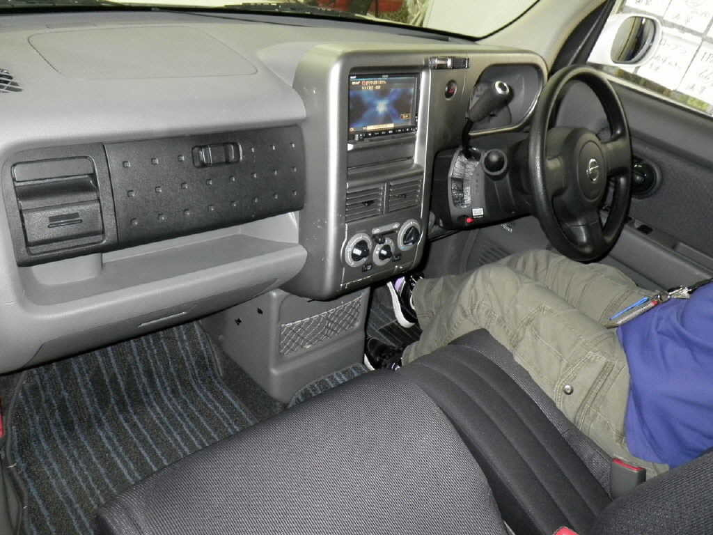 2005 Nissan Cube Cubic 1.5L 7-seater 2WD interior
