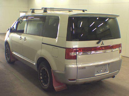 2007 Mitsubishi Delica D5 4