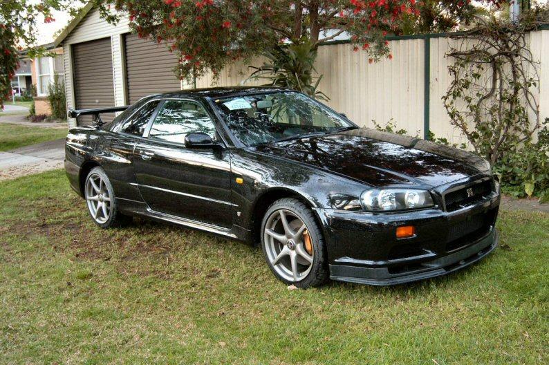 1999 Nissan Skyline R34 GTR VSpec front
