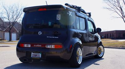 Nissan Cube Z11 big wheels