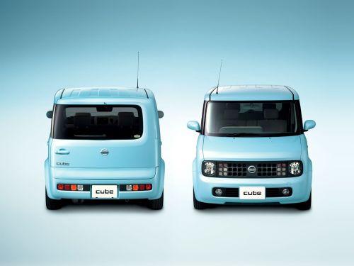 Nissan Cube Z11 front rear