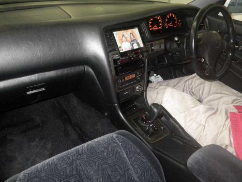 Toyota Chaser Tourer V interior