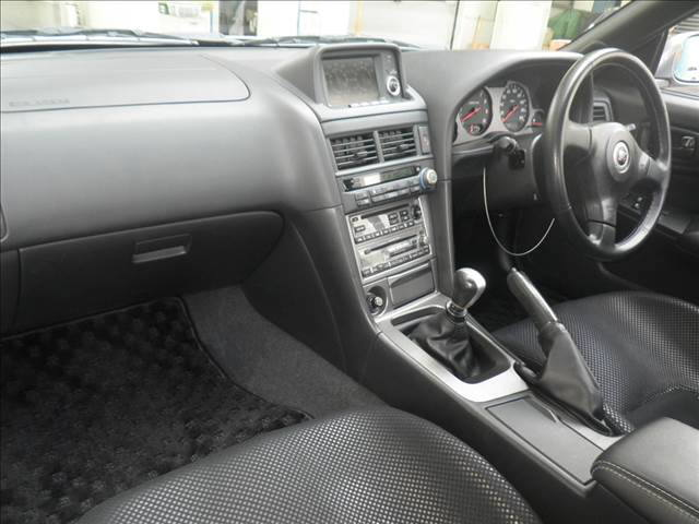 2000 Nissan Skyline R34 GTR V Spec 2 silver auction interior