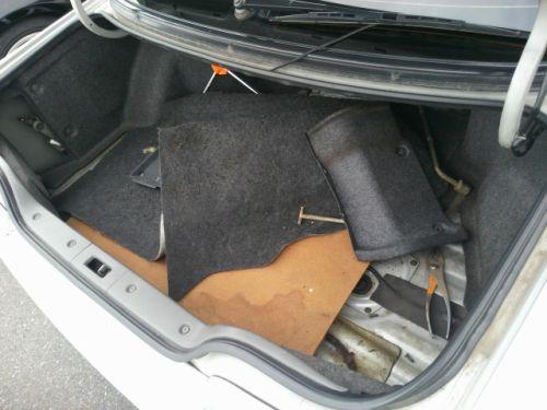1992 Nissan Skyline R32 GTR silver boot