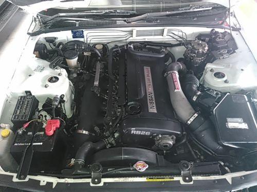 1994 Nissan Skyline R32 GT-R engine bay