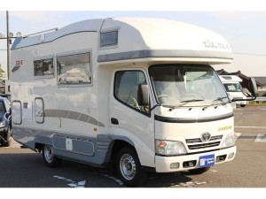 2010 Toyota Camroad motor home front