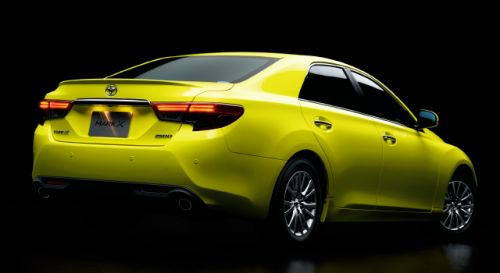 Toyota Mark X import special yellow rear