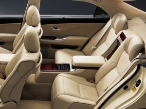 2009 Toyota Crown Majesta interior