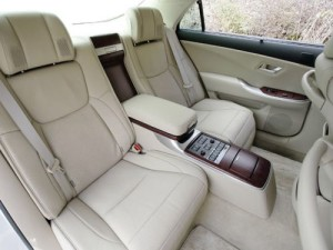 2009 Toyota Crown Majesta interior 8