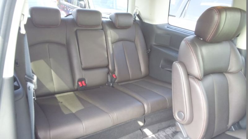 2010 Nissan Elgrand E52 4WD 3rd seat