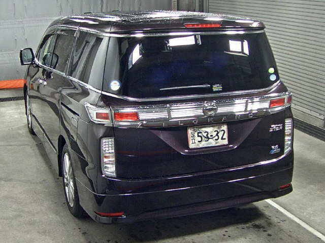 2010 Nissan Elgrand E52 4WD auction rear