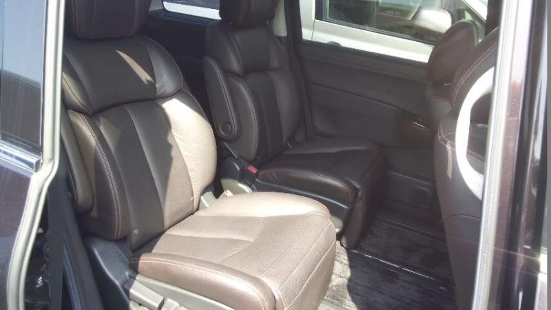 2010 Nissan Elgrand E52 4WD back seat