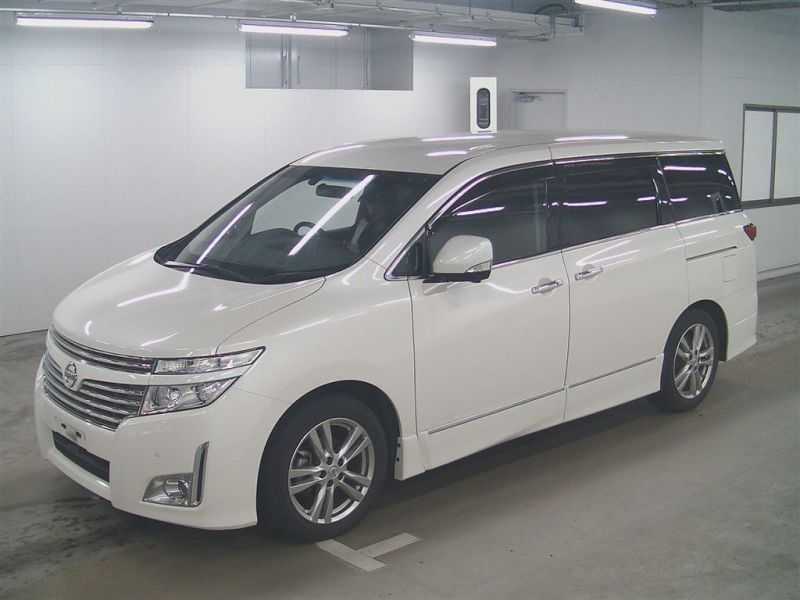 2011 Nissan ELgrand Highway Star Premium 350 4WD auction front left