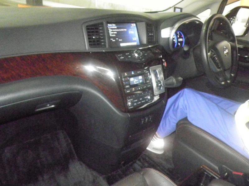 2011 Nissan ELgrand Highway Star Premium 350 4WD auction interior