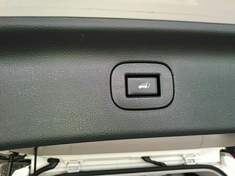 2011 Nissan ELgrand Highway Star Premium 350 4WD power tailgate