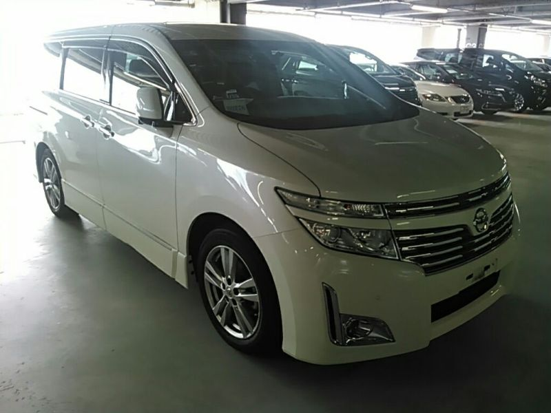 2011 Nissan Elgrand Highway Star Premium 350 4WD right front