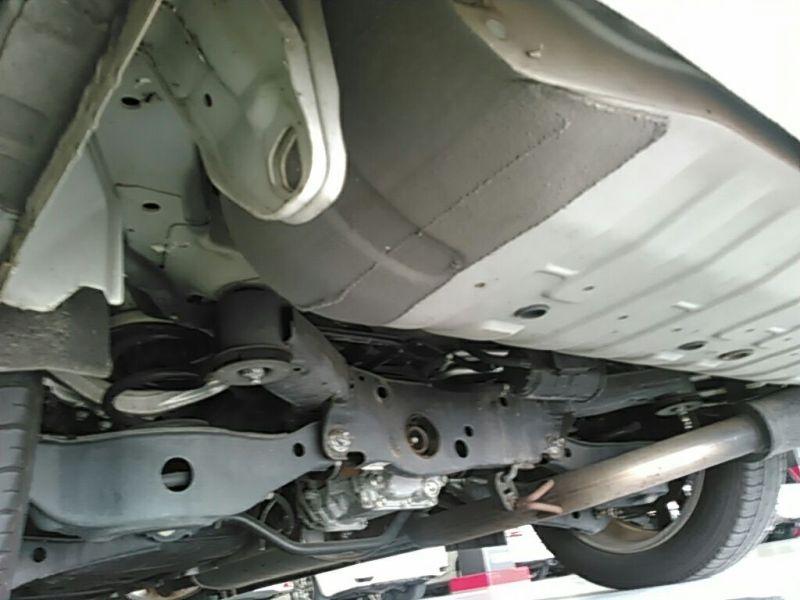2011 Nissan ELgrand Highway Star Premium 350 4WD underbody left side