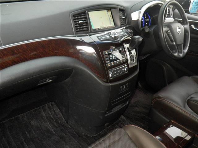 2011 Nissan Elgrand Highway Star Premium 350 4WD black auction interior