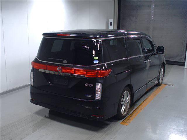 2011 Nissan Elgrand Highway Star Premium 350 4WD black auction rear 2