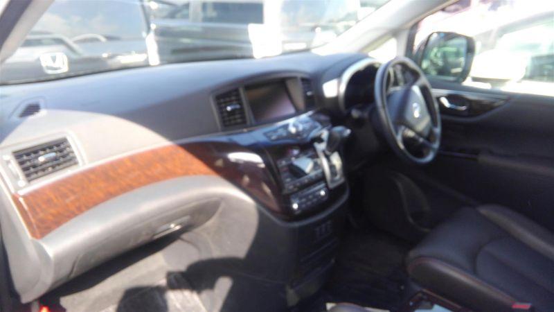2011 Nissan Elgrand Highway Star Premium 350 4WD black interior 2