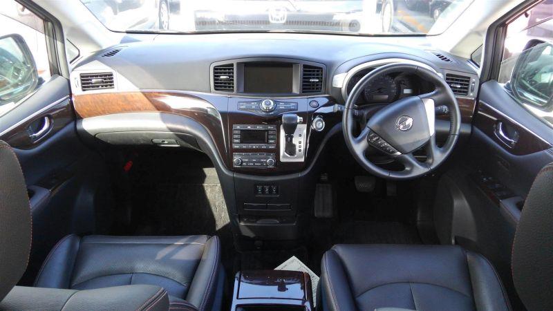 2011 Nissan Elgrand Highway Star Premium 350 4WD black interior
