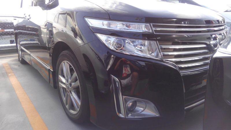 2011 Nissan Elgrand Highway Star Premium 350 4WD black right front bumper