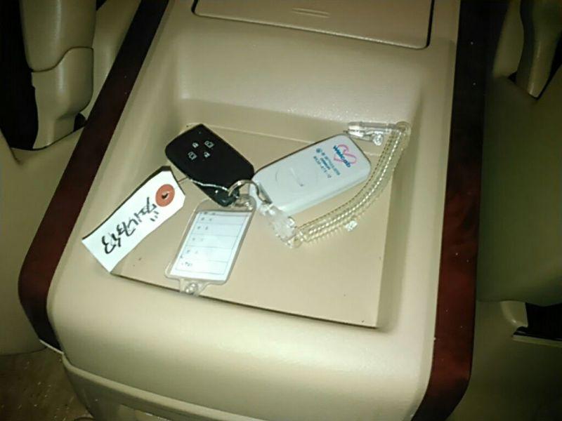 2011 Toyota Vellfire Welcab Sloper wheelchair disability vehicle 2.4V keys