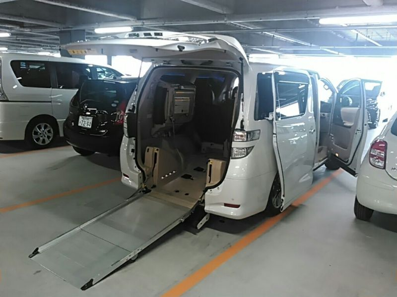 2011 Toyota Vellfire Welcab Sloper wheelchair disability vehicle 2.4V ramp operation
