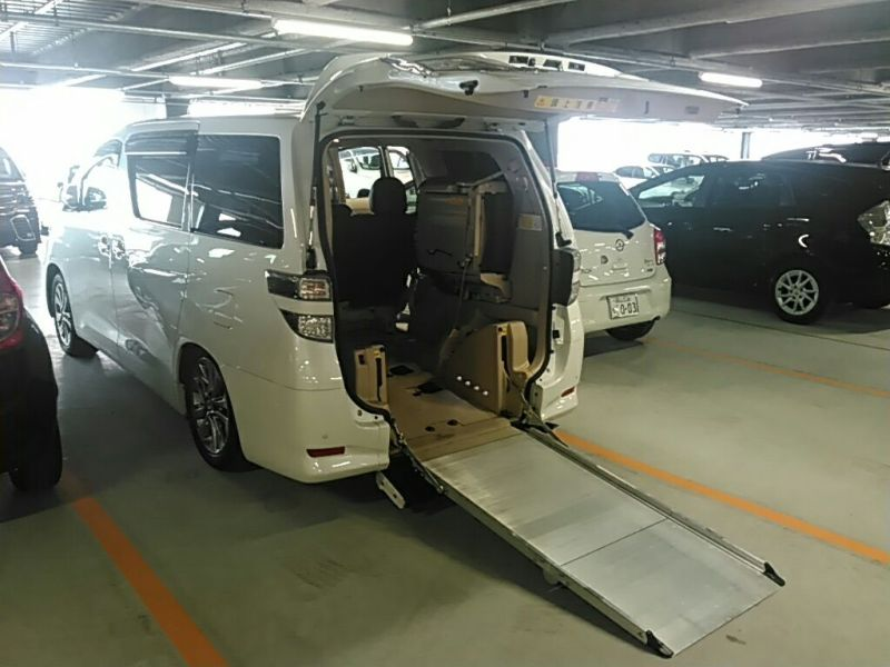 2011 Toyota Vellfire Welcab Sloper wheelchair disability vehicle 2.4V sloping ramp